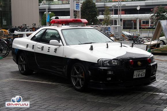 И это не шутки: такие полицейские автомобили действительно есть.  А Вы увидите: Chevrolet Corvette.